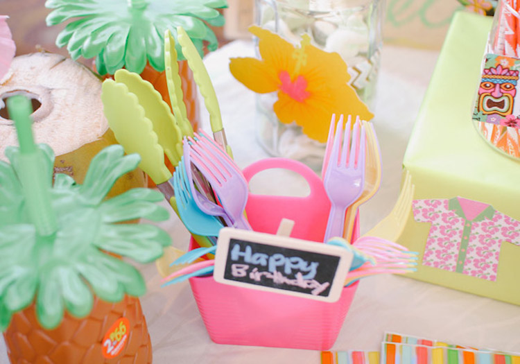 DIY Party_Hawaiian Luau_Tori13