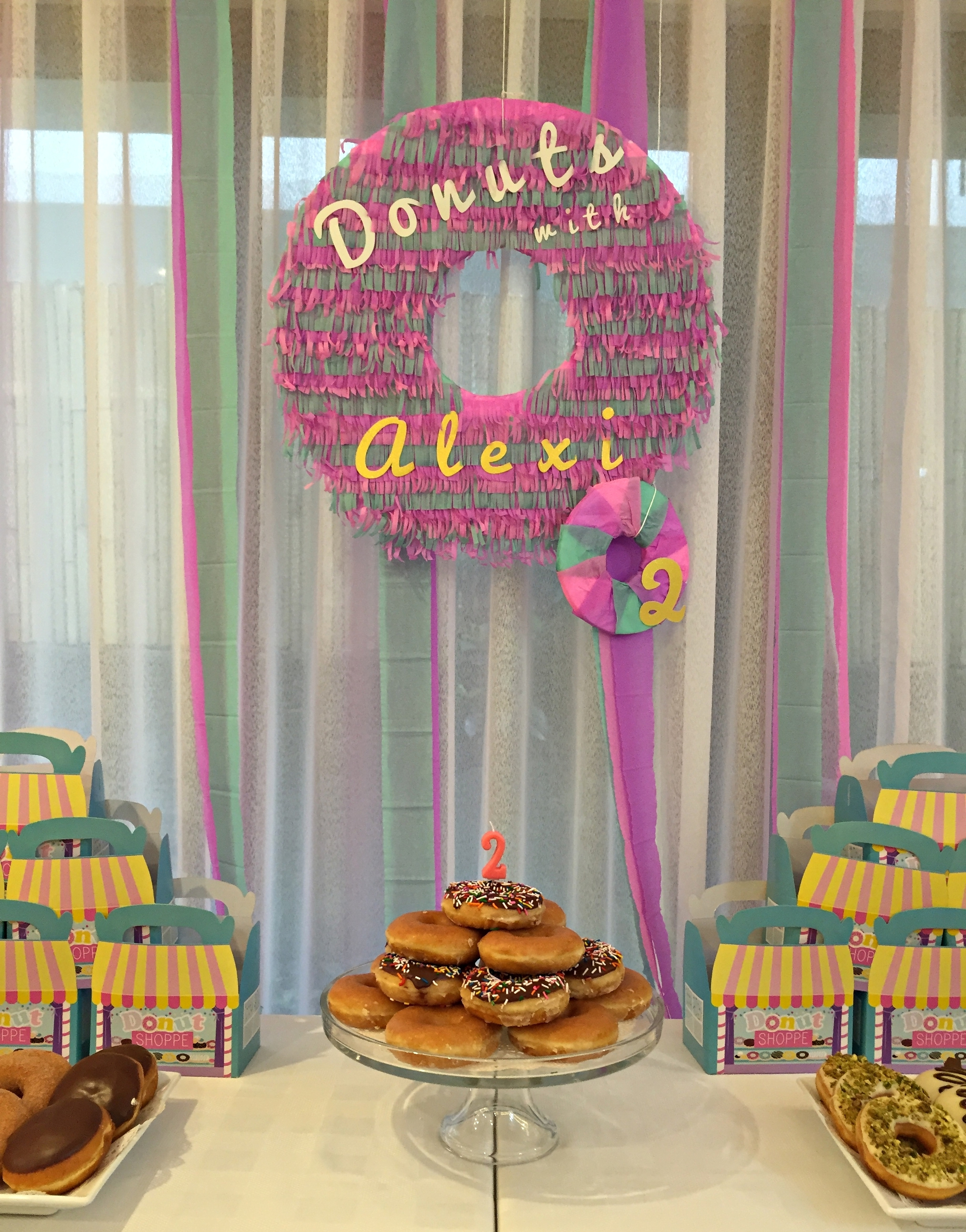 Homemade Parties DIY Party _ Donut Party _ Alexi11