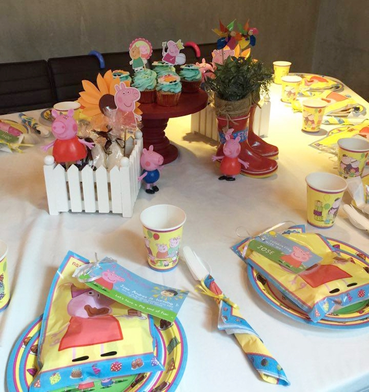 Homemade Parties DIY Peppa Pig Party _ Jose05