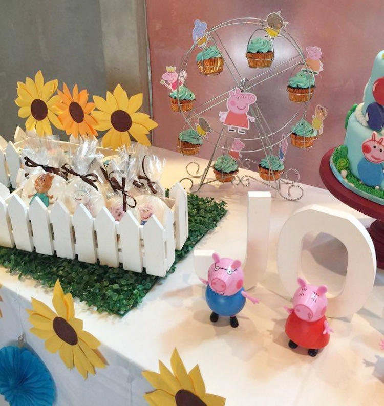 Homemade Parties DIY Peppa Pig Party _ Jose07