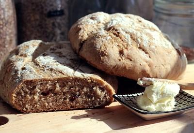 anisbröd med bovetemjöl