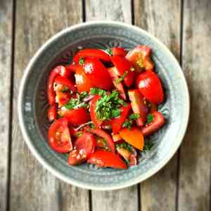 Tomatensalat mit Minze