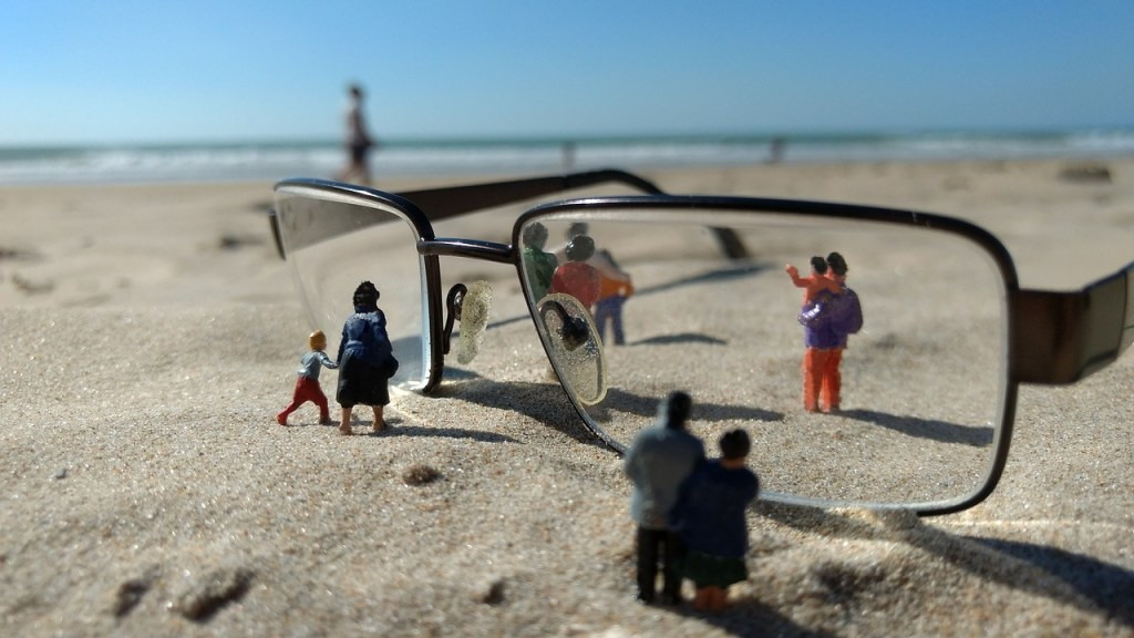miniature figures, personal, glasses