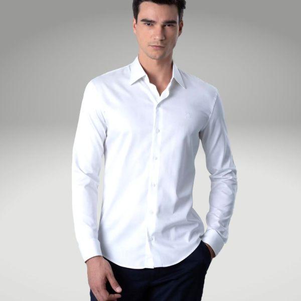 Peças básicas do guarda-roupa masculino - camisa branca - Único