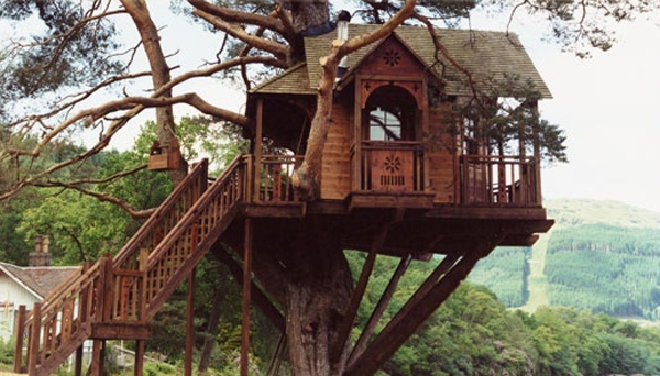 Romantic Tree House