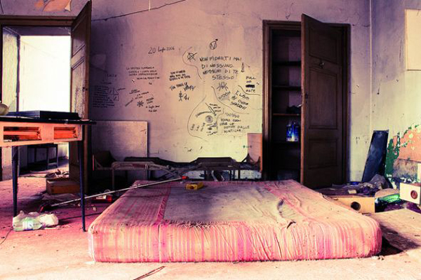 Punk Rock Bedroom Art Design