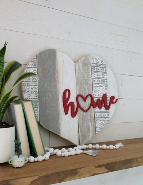 Heart Pallet Sign For Valentine Decoration