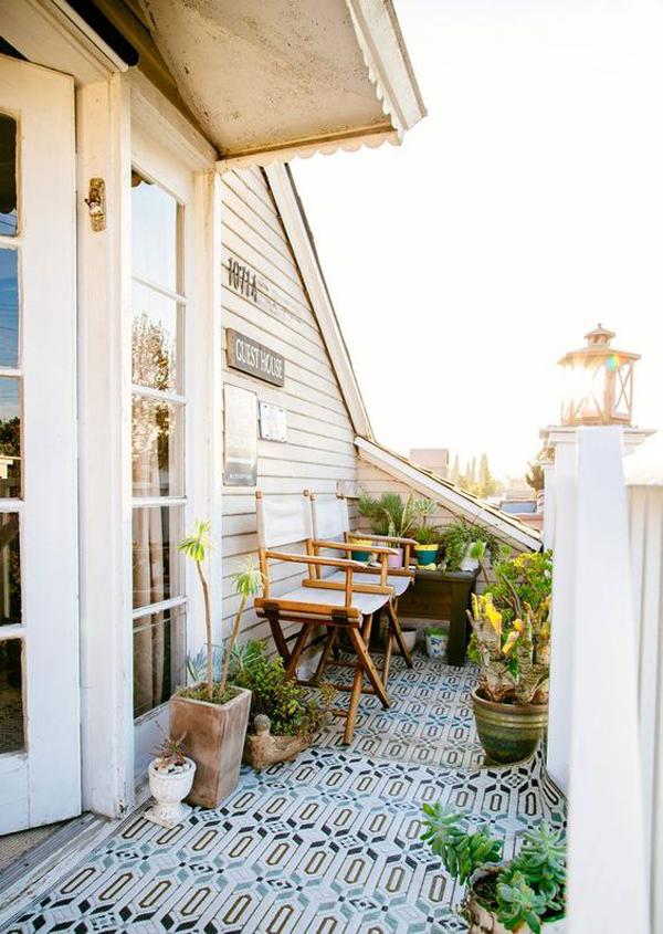 20 Beach Balcony Decor Ideas For Relaxing Homemydesign