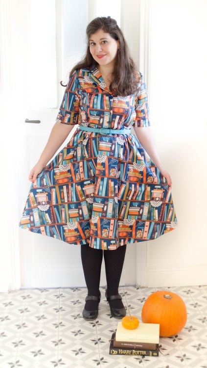 robe-swing-harry-potter-magic-book-print-lindy-bop-shirt-dress-livres