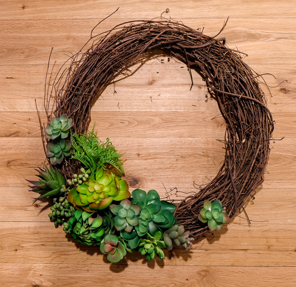 Diy Succulent Wreath Home Of The Active Introvert