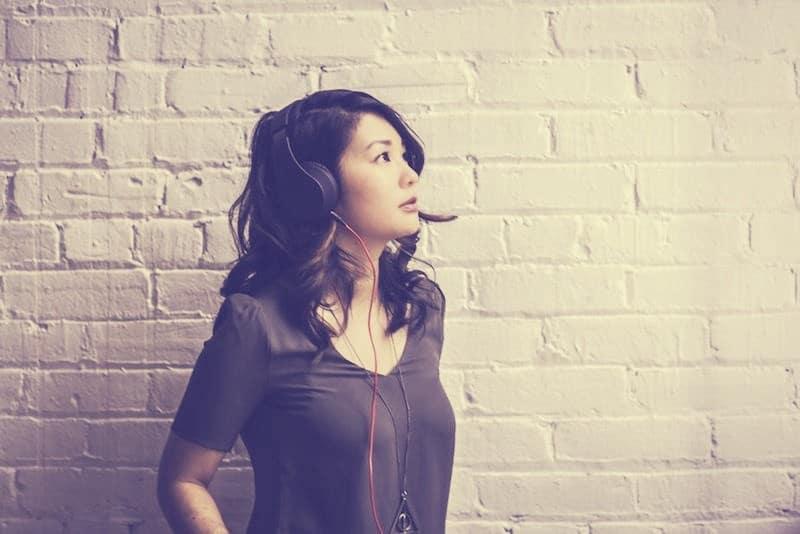 音に癒されると大流行中の「ASMR」は作業BGMにも意外と使える!