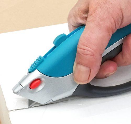 Utility Knife - cutting box