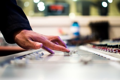 mixing-desk-eq