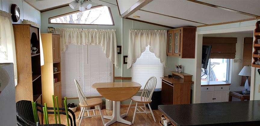 jim-cross-realtor-3-white-lanes-grand-isle-dining-room