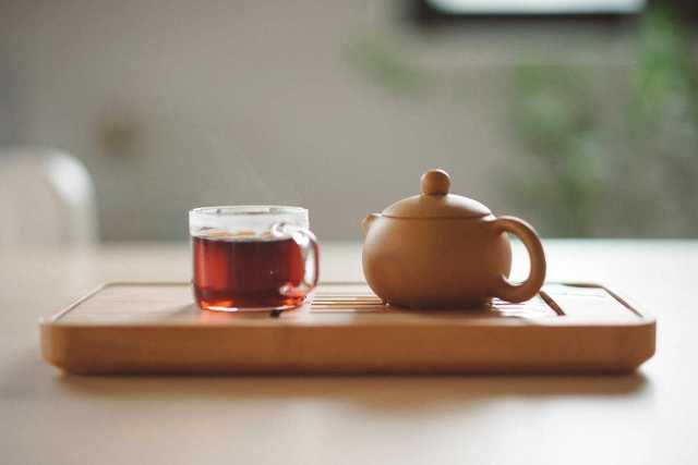 Picture of Pu-erh Tea which is one of 32 foods that burn belly fat fast.