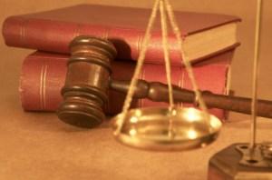 legal-books-gavel-scale