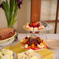 Luba's Sweets: Sweet gifts and sweet desserts (cookies, lemon loaf and chocolate dip)