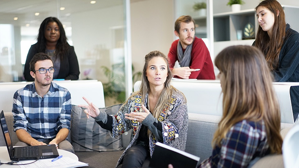 7 Ways Students Can Get on the Fast Track to Leadership Positions