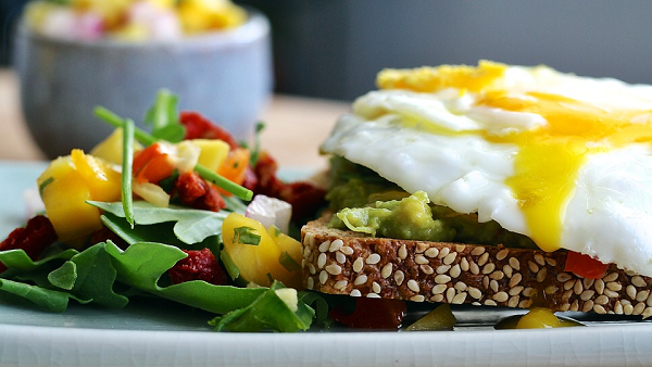25 Low-Calorie Foods That Make You Feel Full  By HST