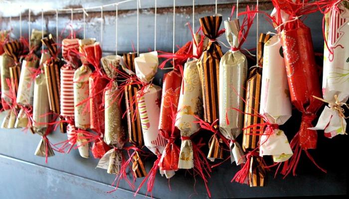 DIY Advent Calendar Idea 1 Christmas Crackers Advent Calendar