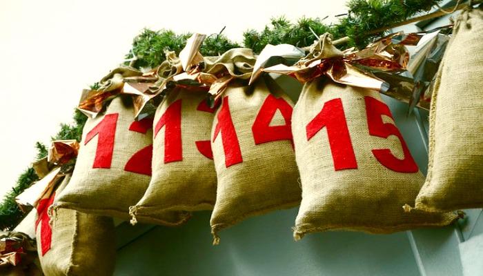 DIY Advent Calendar Idea #5. Burlap Bag Advent Calendar