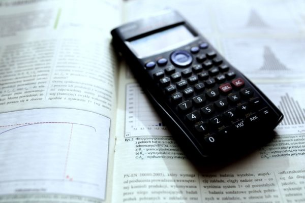 Free Online Scientific Calculator and Guide to Science Calculators for Students