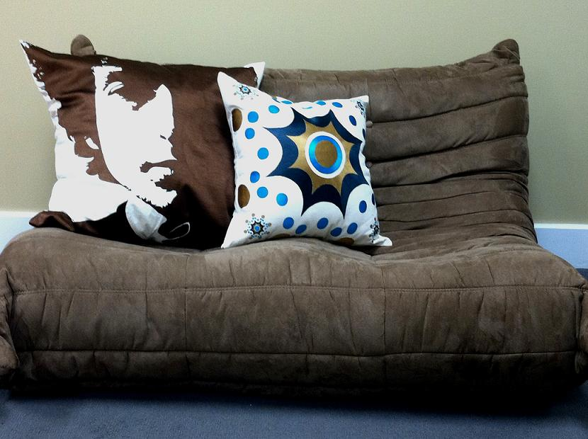 Pillow For Couches HomesFeed