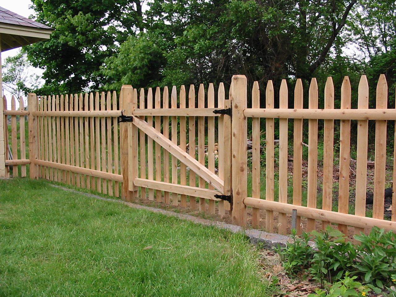Outdoor Garden Fence Decoration