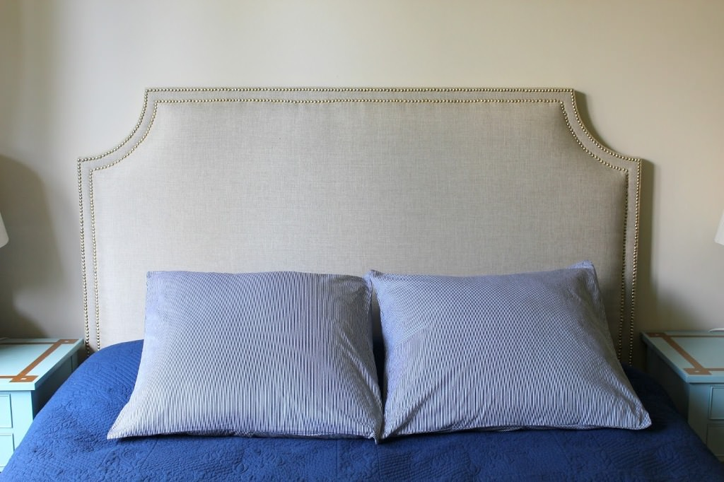 Upholstered Headboard With Nailhead Trim A Simple Way To Adorn Your Headboard HomesFeed