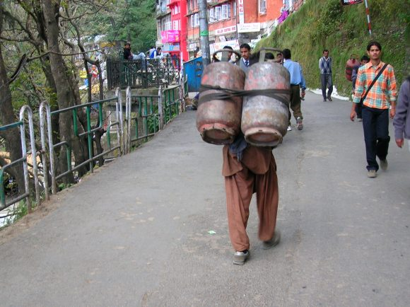 Standard gas delivery system in Shimla
