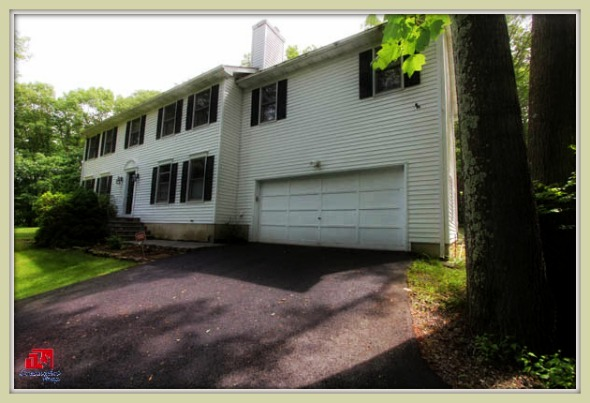 Feel the comfort and style in this Bethel CT home for sale.