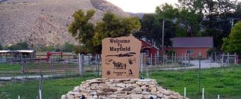 Welcome to Mayfield Utah sign.
