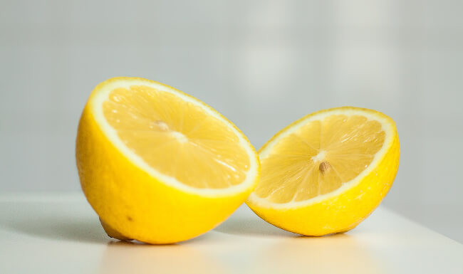 One of the home showing tips is to use citrus.
