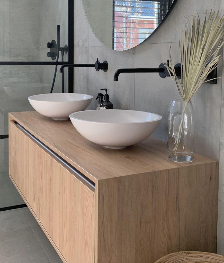 Ideas to Update Your Tiny, Boring, Old Bathroom Stylishly