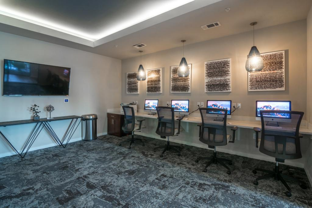 computer lab in Student Housing in Houston