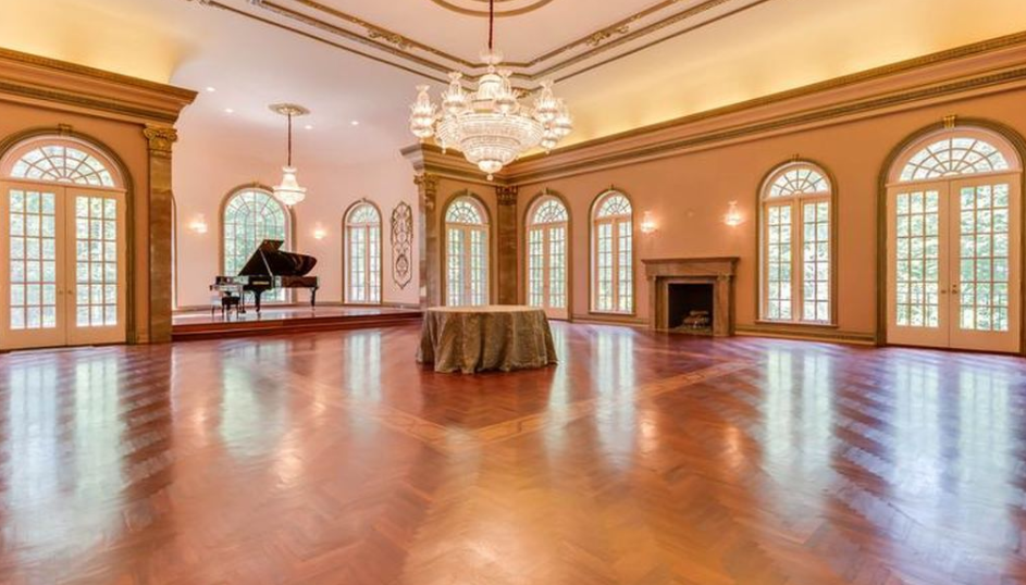 15 000 Square Foot Mansion In Mclean Va With Stunning