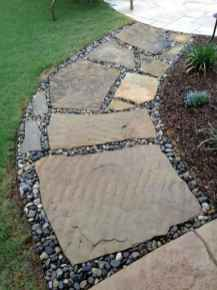 Affordable front yard walkway landscaping ideas (17)