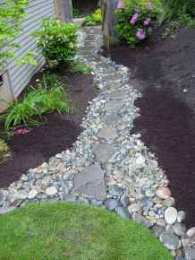 Affordable front yard walkway landscaping ideas (18)