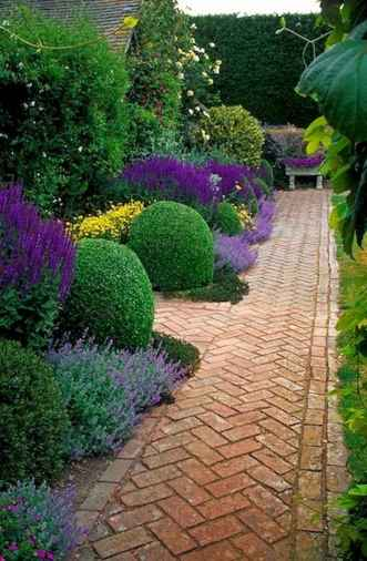 Affordable front yard walkway landscaping ideas (24)
