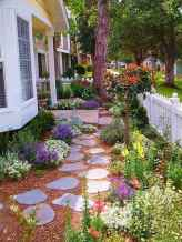Affordable front yard walkway landscaping ideas (3)
