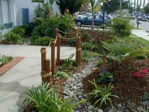 Affordable front yard walkway landscaping ideas (44)