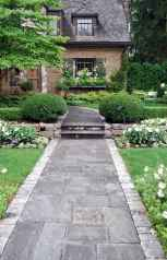 Affordable front yard walkway landscaping ideas (53)