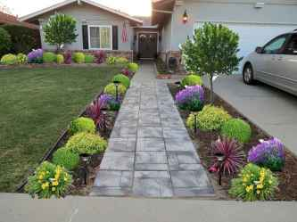 Affordable front yard walkway landscaping ideas (72)