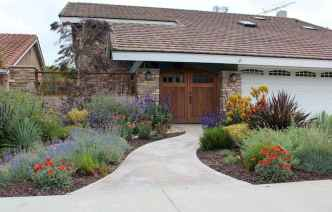 Affordable front yard walkway landscaping ideas (73)