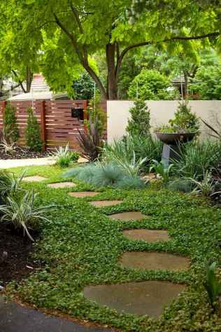 Affordable front yard walkway landscaping ideas (76)
