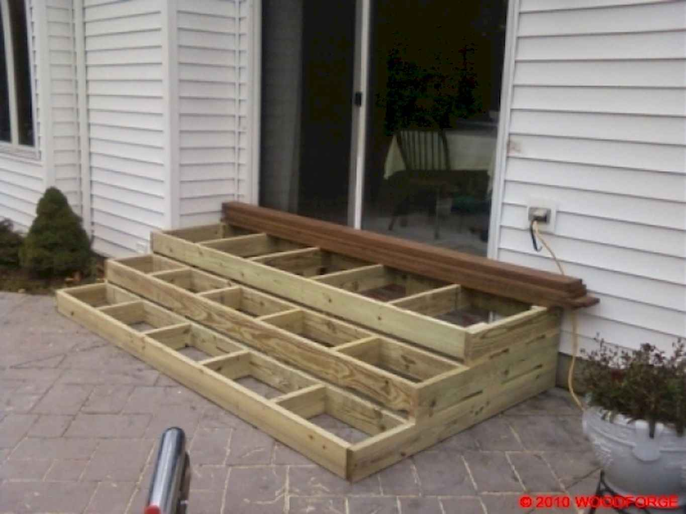 Cleverly diy porch patio decorating ideas (45)
