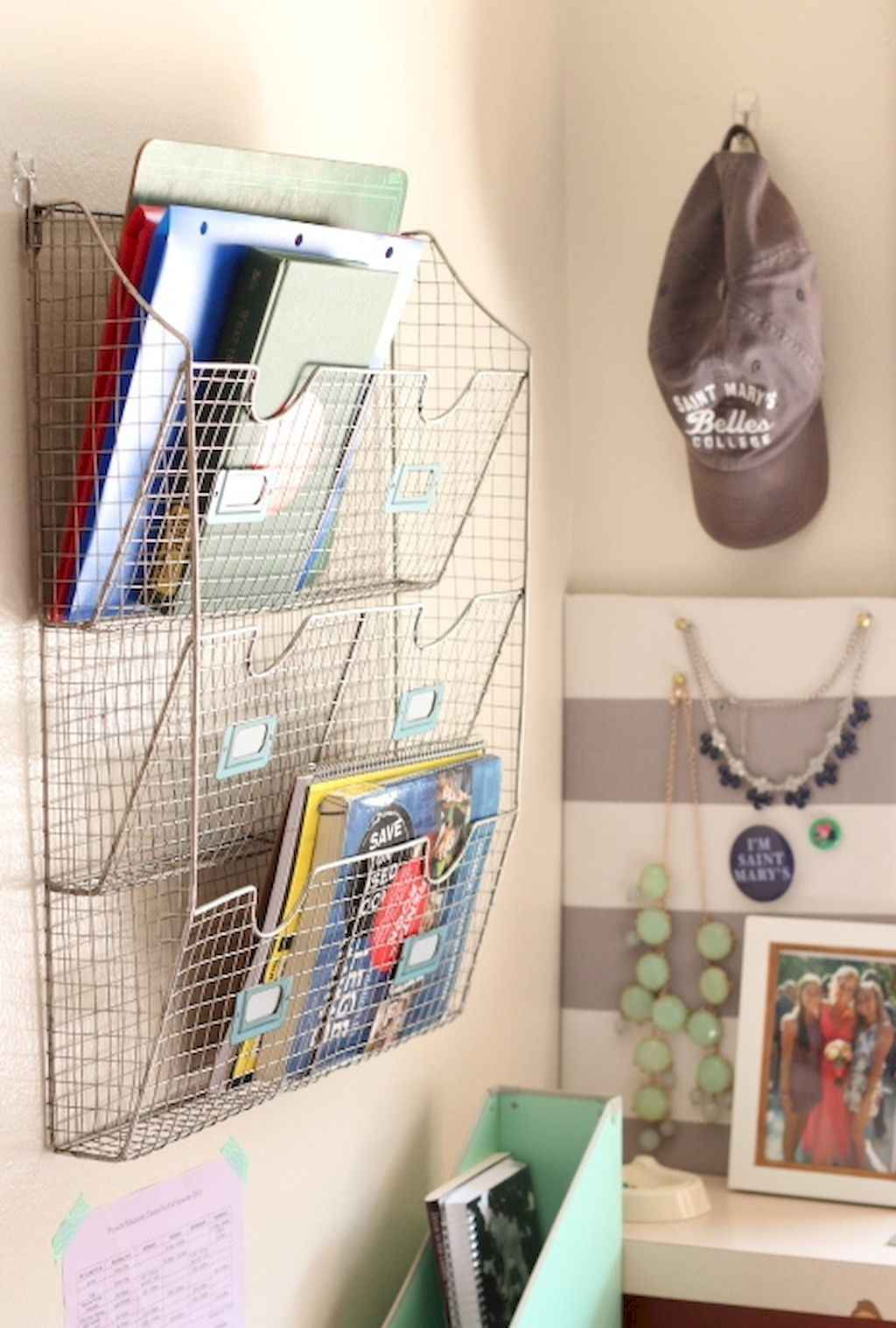 Cute diy dorm room decorating ideas on a budget (49)