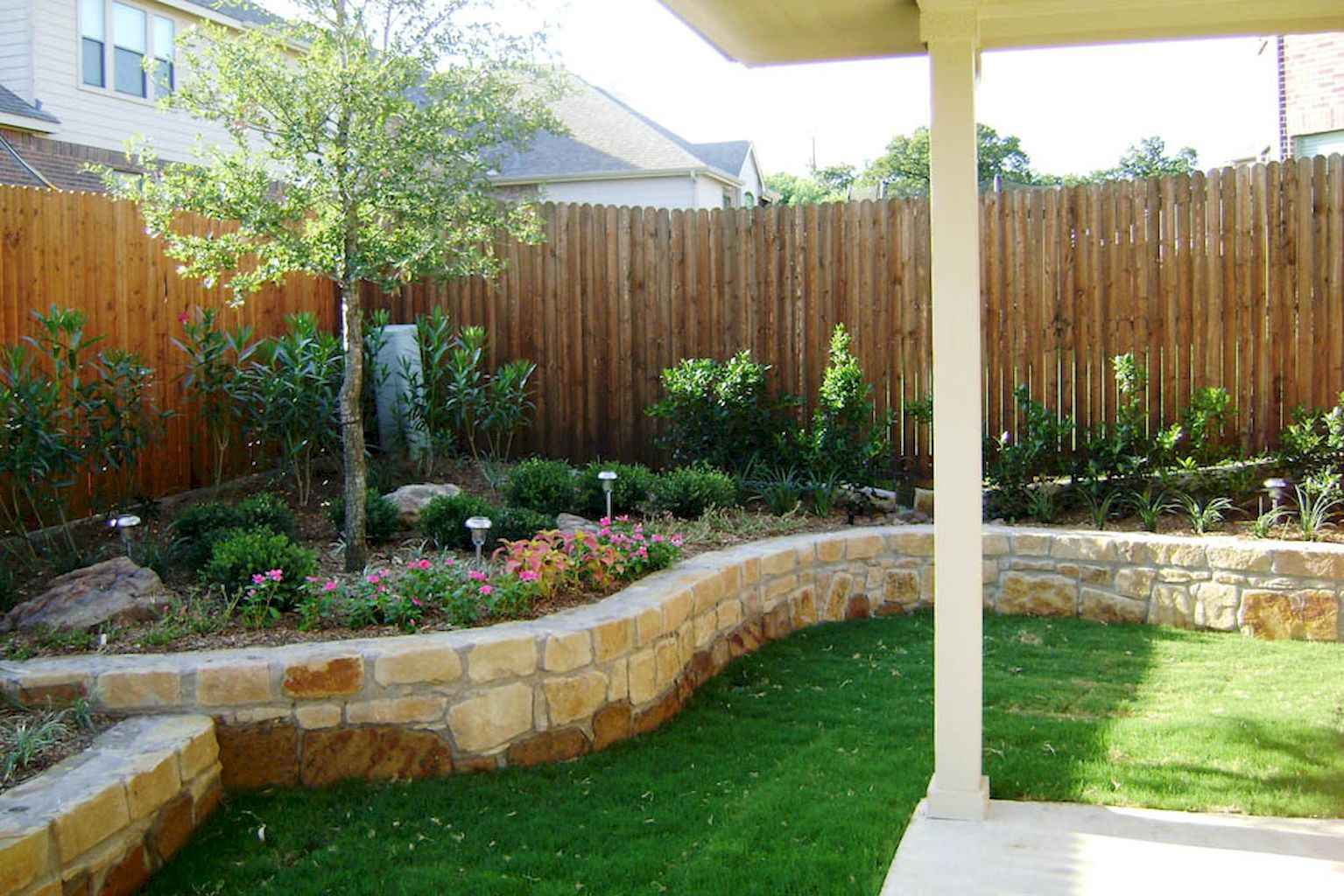Small backyard landscaping ideas on a budget (16)