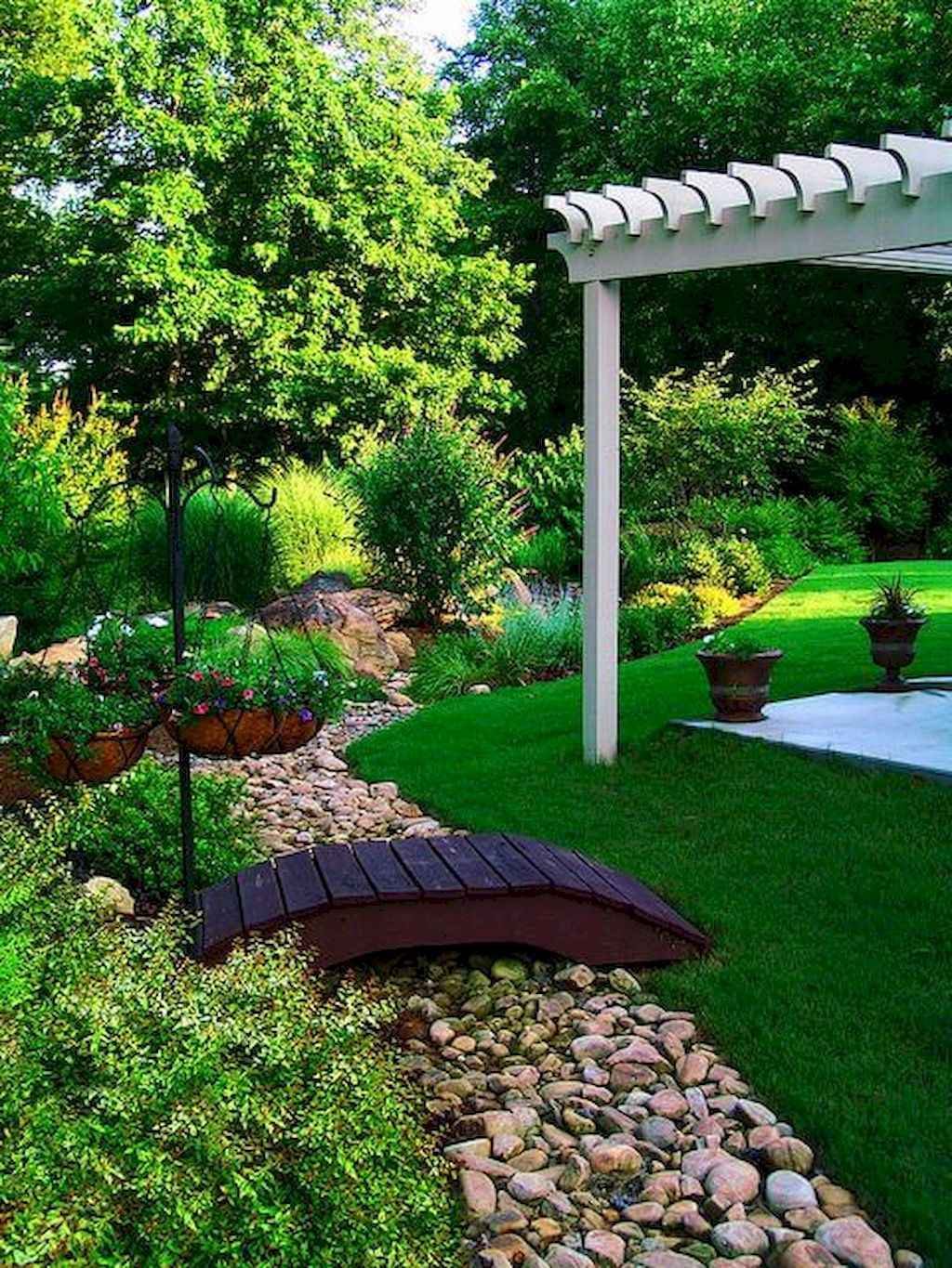 Small backyard landscaping ideas on a budget (47)