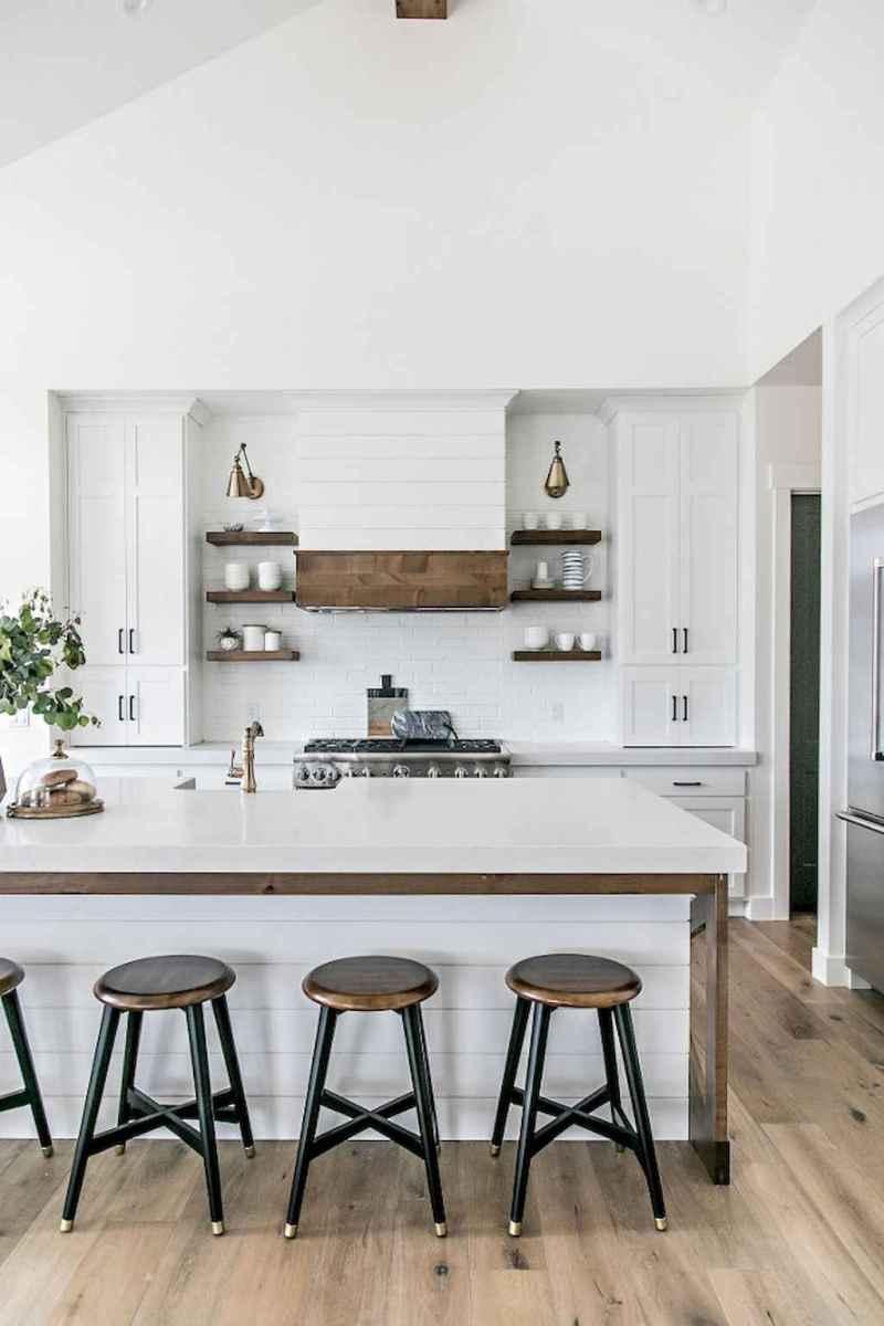 Stunning farmhouse kitchen design and decor ideas (32)